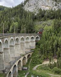 THOMAS HOFINGER ::: Eine Bahn über den Berg
